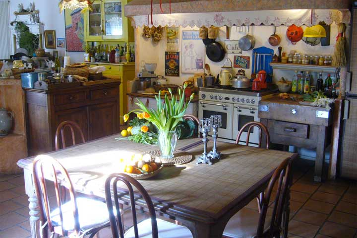 The kitchen with vintage furnitures